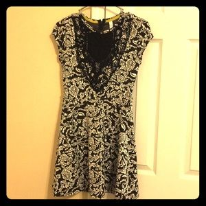 Women's Black and White Baroque Pattern Dress